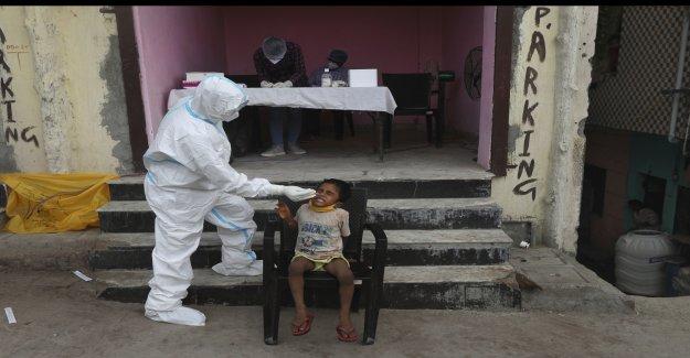 La India hits 2 millones de casos de coronavirus como voluntarios de salud de la huelga