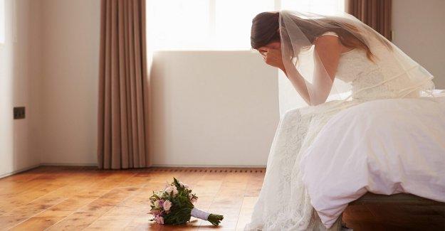 La novia de mamá es expulsado de la boda después de la entrega de voz burlona de su mierda de apartamento, problemas médicos'