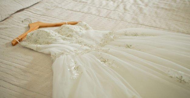La policía buscan dueño de la pérdida de vestido de novia en Arizona
