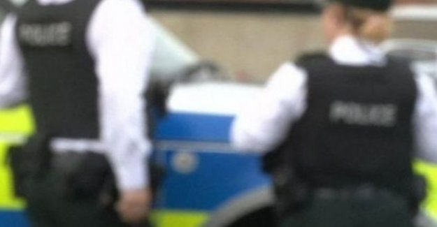La policía de liberación fotos relacionadas con el trastorno de Belfast