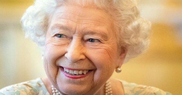 La reina en el aniversario homenaje a la Cruz Roja Británica