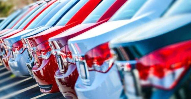 Las nuevas matriculaciones de automóviles para ver la primera subida de este año