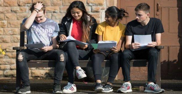 Las universidades dijo a sostener los lugares abierta hasta el recurso de apelación