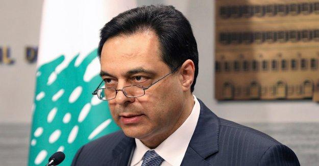 Líbano primer ministro dimite después de Gabinete pasos hacia abajo en medio de la lluvia radiactiva de Beirut explosión