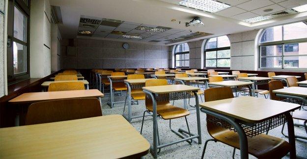 Los maestros de Arizona  enfermo a cabo por las fuerzas de la escuela de distrito de demora previsto en persona reapertura