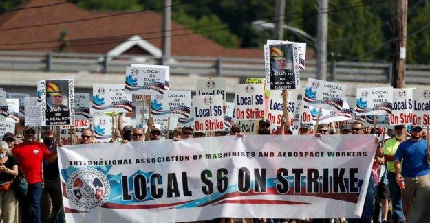 Los trabajadores de los astilleros para comenzar la votación de esta semana en el pacto laboral