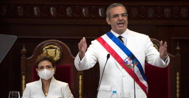 Luis Abinader juramento como Dominicana líder; Pompeo atiende