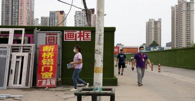 Manufacturera de China mejora en julio, las exportaciones de fortalecer