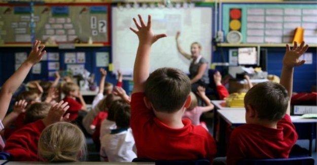 Más alumnos regresen a clases como las escuelas abran