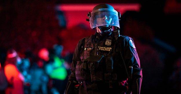 Más de 60 Portland llamadas al 911 se desoye la noche, cuando la policía responde a riot