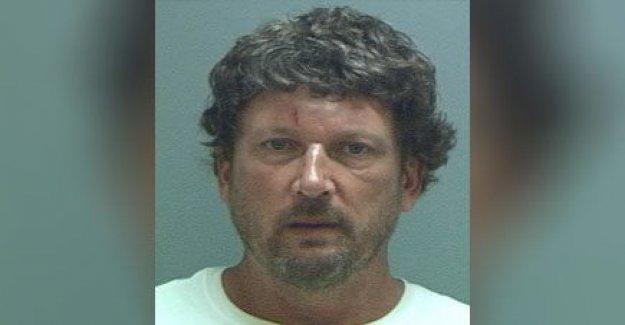 Mcdonald's cliente detenido tras agredir manager, tratando de forzar camino en la cocina: 'hazme un f---ing hamburguesa'