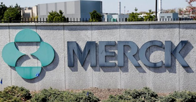 Merck ups outlook, se convierte de lucro durante el mundial de vacunas caza