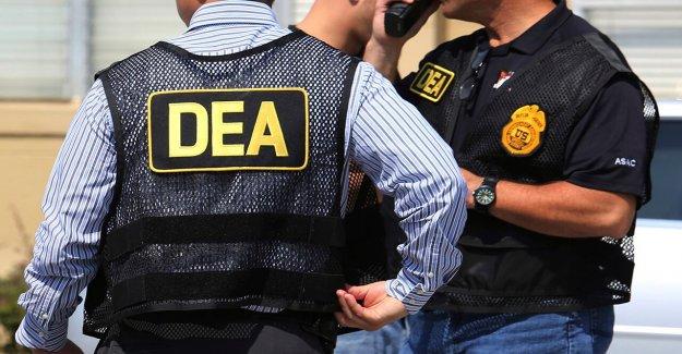 Michigan Procurador general de estados unidos, Detroit Operación de la Leyenda de los agentes de confiscar el cuerpo de la armadura, las armas de narcotráfico criminales