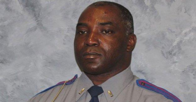 Mississippi soldado disparó fatalmente a la parte de trabajo de trabajo de tiempo de conducción de USPS correo camión: informes