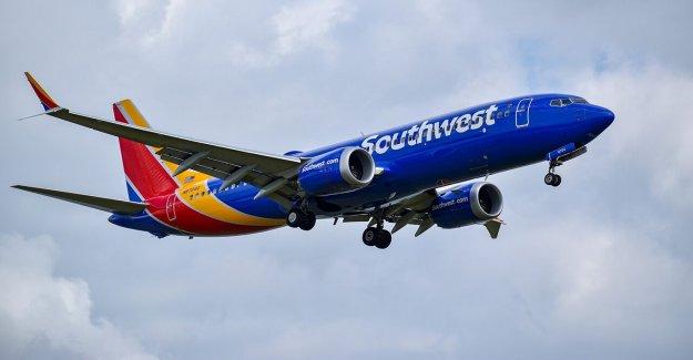 Mujer de reclamaciones de la familia fue expulsado de vuelo de Southwest Airlines porque hijo autista, 3, no use la máscara de la cara