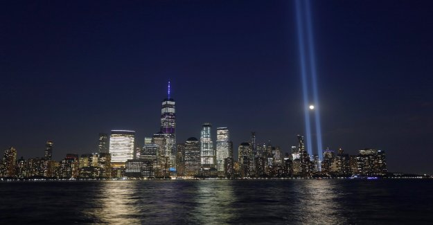 NYC 9/11 homenaje luz para ser reinstalado con el estado, Bloomberg apoyo