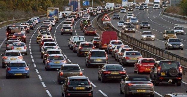 Obtener los coches de la carretera, el gobierno instó a