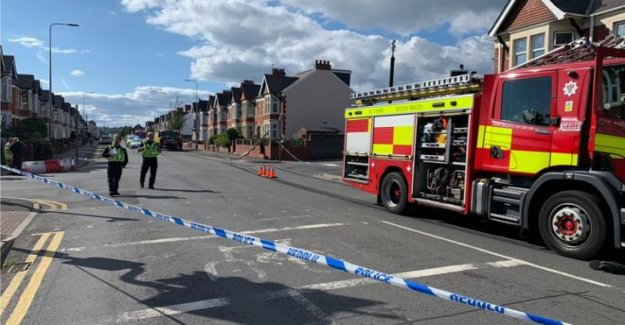 Persona llevado al hospital después de un incendio fallo de motor