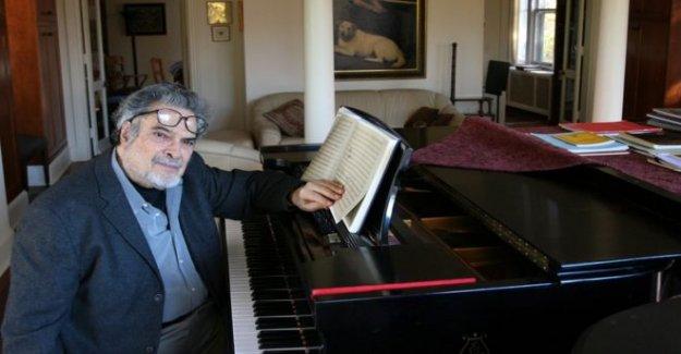 Pianista que lucharon mano condición muere a los 92