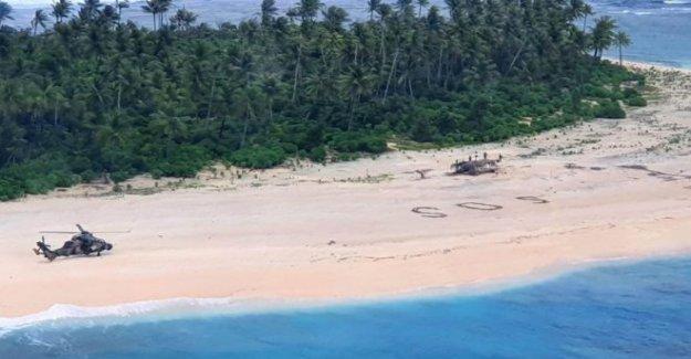 Playa SOS guarda los marineros varados en la pequeña isla
