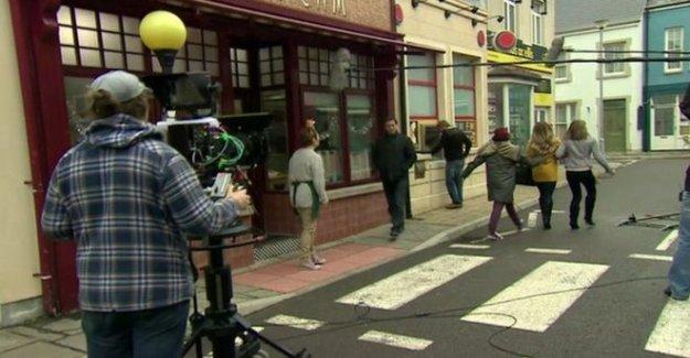 Pobol y Cwm financiación de la fila' pone en pausa de la filmación