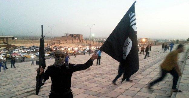 Radical Islámica clérigo acusado de reclutamiento de ISIS extraditado a nueva york por cargos de terrorismo