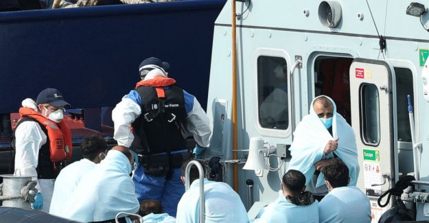 Reino unido los nombres de 'Canal amenaza comandante' como barco cruces de sobretensiones