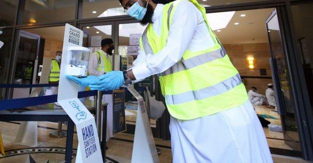 Reino unido pone de bloqueo de seguridad-suavizado de contener la propagación del virus acelera