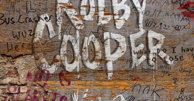 Reseña: Una nueva voz de Texas rip pero las pruebas de los censores