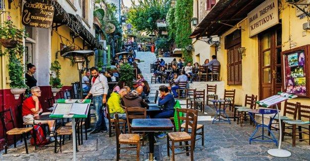 Restaurante griego shames influyente para solicitar comidas gratis durante coronavirus crisis económica