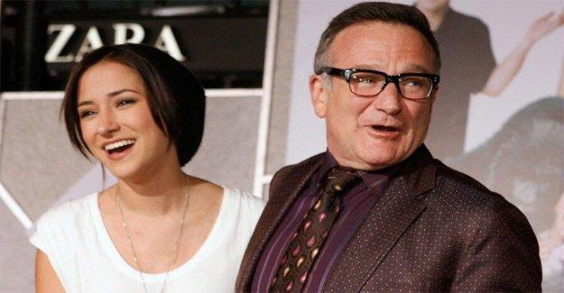 Robin Williams' hija Zelda anuncia medios de comunicación social romper el 6 aniversario de su muerte