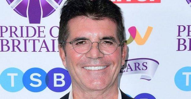 Simon Cowell se rompe de nuevo la caída de bicicleta
