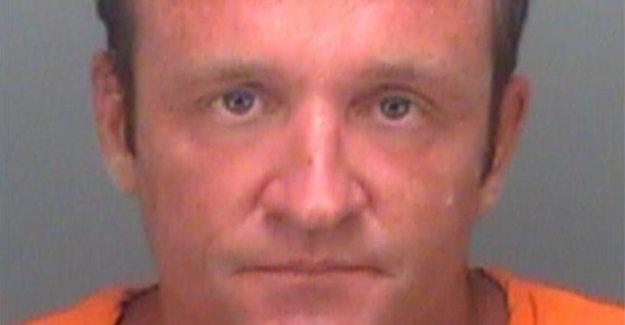 Sin hogar de la Florida hombre atrapado a acampar en el estadio de la suite de lujo