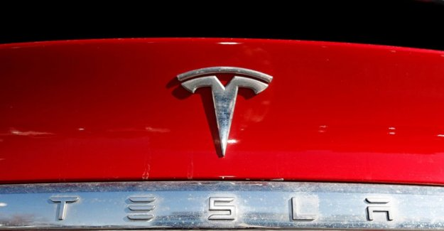 Tesla aumenta turbo stock con el plan de 5 por 1 split