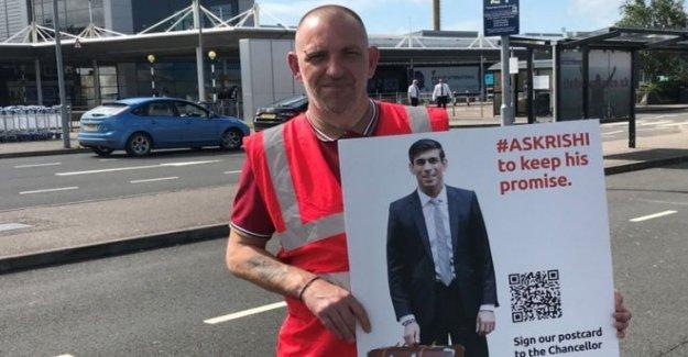 Trabajadores de la aviación de protesta en Belfast International