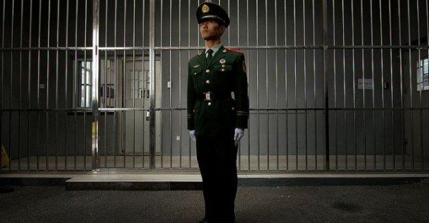 Tribunal chino borra el hombre después de 27 años en la cárcel