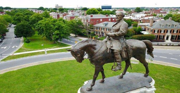 Virginia juez impone la medida cautelar de restricción de la eliminación de Robert E. Lee estatua