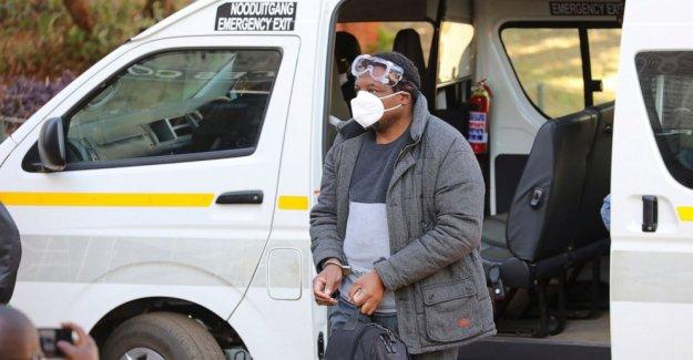 Zimbabwe periodista negó la libertad bajo fianza del gobierno a los arrestos de los críticos
