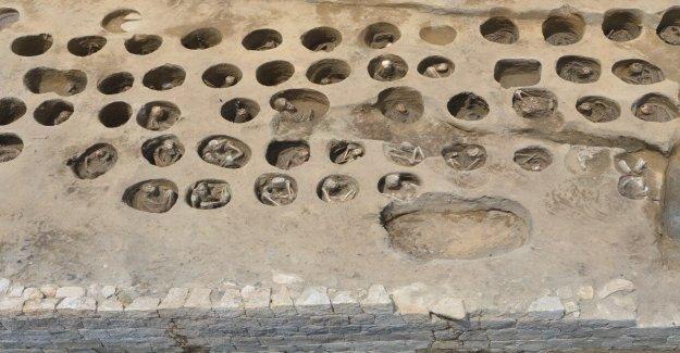 Cementerio histórico que contiene más de 1.500 cuerpos descubiertos en Japón