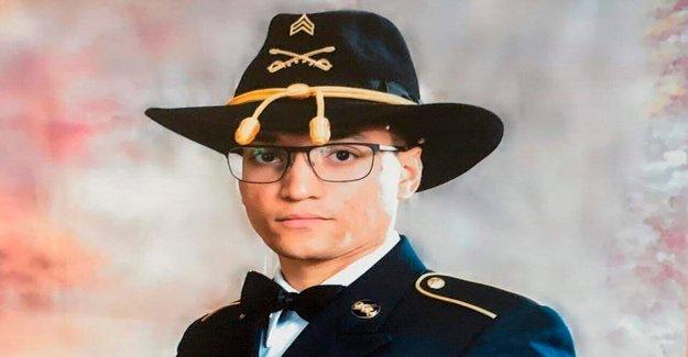 Fort Hood soldado del cuerpo regresa a Massachusetts como Texas comandante de la base pierde post