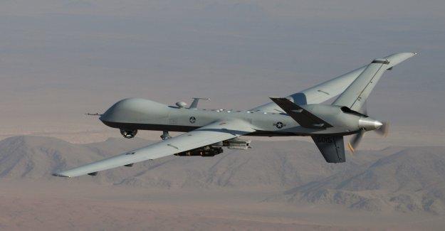 La Fuerza aérea de Reaper drone incendios de aire-a-aire de misiles