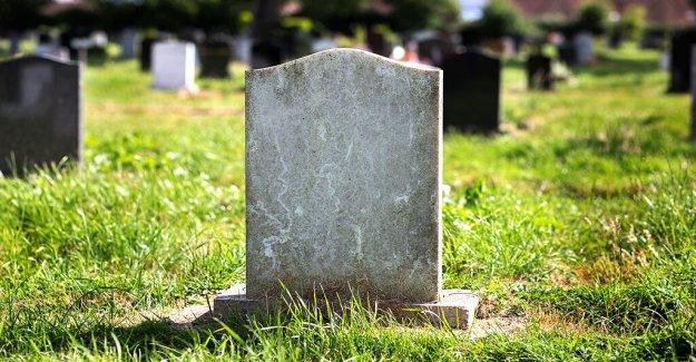 Vermont hombre visitas al cementerio, gracias 3,200+ veteranos enterrado allí: 'todos son héroes'