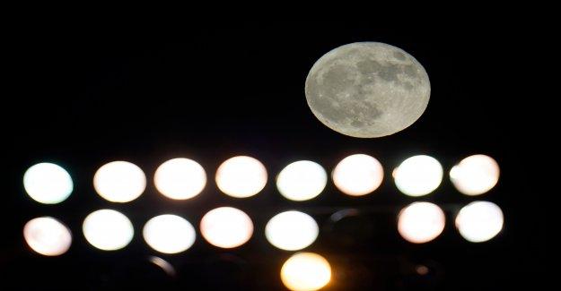 Rara Halloween blue moon emociona skywatchers