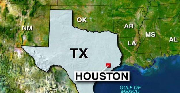 Departamento de Policía de Houston saluda su 1er oficial perdió a COVID-19