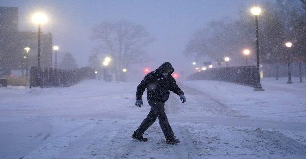 Tormenta de invierno cortes de energía eléctrica por miles en la Costa del Este