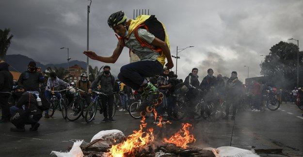 Protestas en Colombia ven al menos 24 muertos después de 1 semana