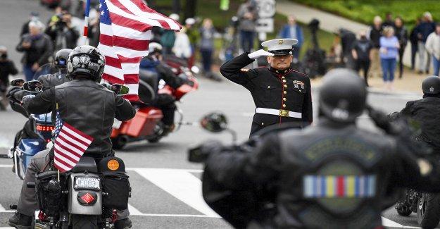 Rolling to Remember honra a veteranos y tropas caídas después de que el Pentágono desairara