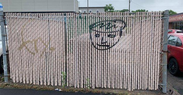 Cafetería vandalizada por adolescentes invita a la comunidad a pintar mural: 'Dar más segundas oportunidades'