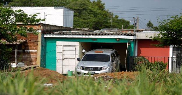Fosa común llena de mujeres muertas encontradas en el patio trasero de un ex policía