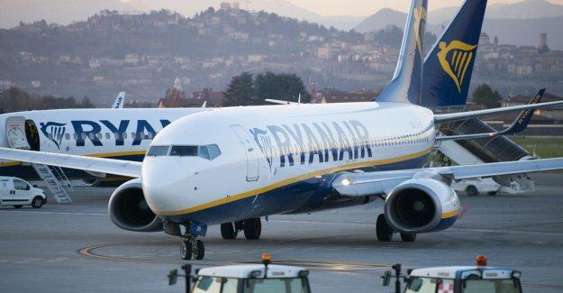 Pasajero de Ryanair escupe y golpea a personas en un vuelo a Italia: informe